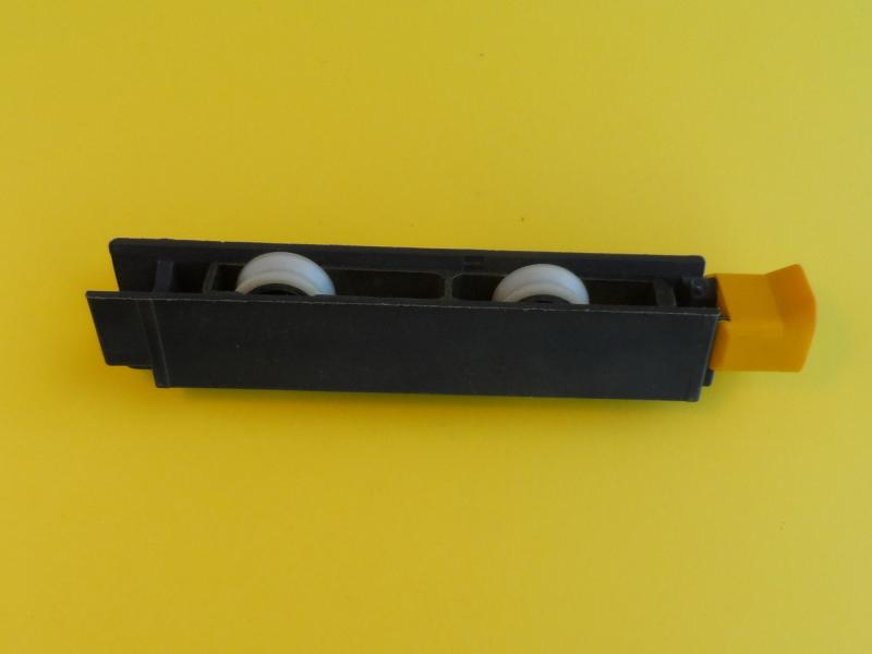 roulette giesse pour baie vitr e coulissante r f 993531. Black Bedroom Furniture Sets. Home Design Ideas