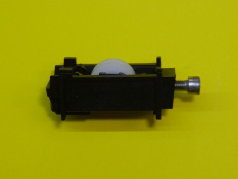 Roulette kawneer pour baie vitr e coulissante r f sr045900 for Roulette pour baie coulissante